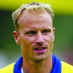 famous quotes, rare quotes and sayings  of Dennis Bergkamp