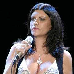 famous quotes, rare quotes and sayings  of Laura Pausini