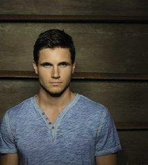 famous quotes, rare quotes and sayings  of Robbie Amell
